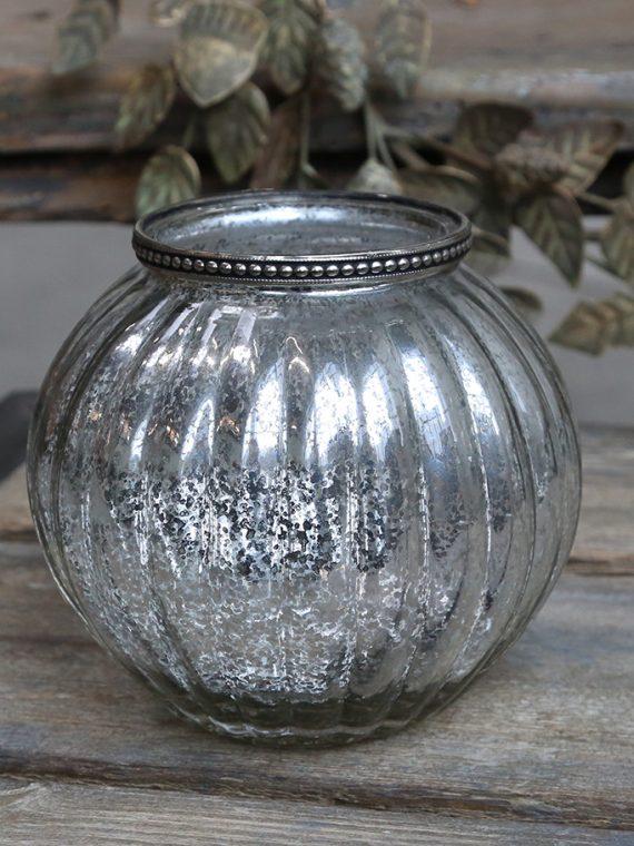 Vase mit Perlenkante